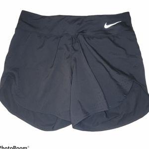 Nike black running shorts women's size medium